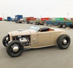 Half Birthday Cakes, Porsche 550, 32 Ford, Hot Rods, Kustom Kulture, Antique Cars, Impala, Vehicles, Antiques