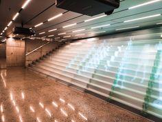 Verückte Glastreppe für das Kistefos Museum in Norwegen. Siller Treppen Glass Stairs, Blinds, Museum, Curtains, Design, Home Decor, Stairways, Norway, Jalousies
