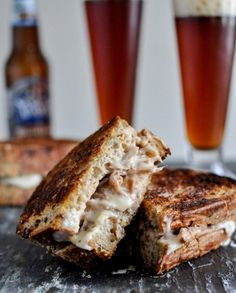 Crockpot Pulled Pork & Beer Cheese Grilled Cheese Sandwiches - How Sweet Eats (this looks like such an amazing indulgence! Pork Recipes, Slow Cooker Recipes, Crockpot Recipes, Snack Recipes, Recipies, Vegetarian Recipes, Cooking With Beer, Crock Pot Cooking, Cooking Tips