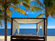 This beach bed is waiting for you...  #beachThursday