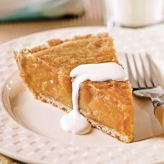 Servez cette tarte au sortir du four et rehaussez-la d'un soupçon de crème! Succès garanti! Easy Desserts, Delicious Desserts, Pie Recipes, Cooking Recipes, Recipies, Cooking Cream, Bon Dessert, Dessert Simple, Canadian Food