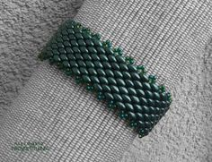 Szeroka #bransoleta z koralików   #Superduo. #green #bracelet #beading https://www.facebook.com/NiezwyklaProjektownia