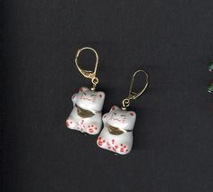 Lucky Charm earrings Asian Beckoning Cat Earrings.