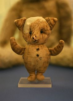 the real toy Piglet which inspired the Winnie the Pooh stories...my favourite childhood book :)