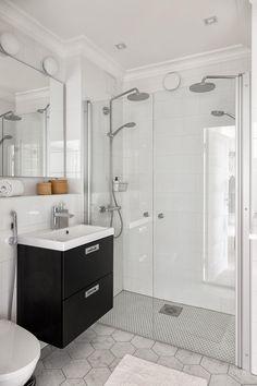 Kylpyhuone, Grohen sadevesisuihku x2