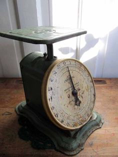 Columbia Family Scale!vintage green- I use mine all the time!