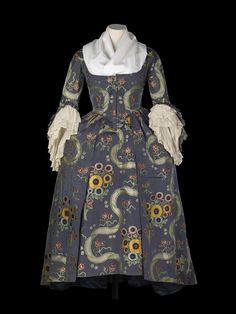 Robe à la française, 1785 From the National Maritime Museum