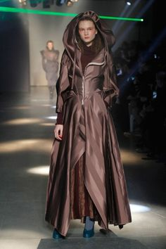 Catelyn Stark - Vivienne Westwood, Autumn/Winter 2012/13 - submitted by hinnebuschj