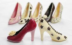 Google Image Result for http://i.telegraph.co.uk/multimedia/archive/01563/chocolate_shoes_1563055c.jpg