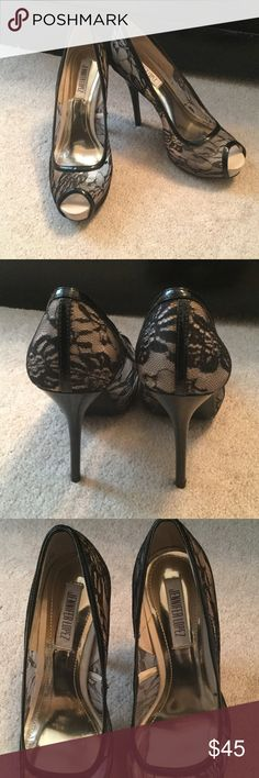 Jennifer Lopez Open-Toe Heels These open-toe heels are great for a special occasion and have never been worn. Jennifer Lopez Shoes Heels