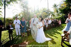 ese momento especial cuando miras a tu padre a los ojos al llegar al altar... #Bride #weddingreception #PRwedding #weddingflower #puertoricowedding #weddingphotography #yourweddinglounge #destinationwedding #inspiration #events #aisle #event #bridetobe #gettingmarried #bridal #savethedate #dreamwedding #love #islandwedding #groom #ido #picoftheday #weddingideas #photooftheday #instabride #instawedding #engagement #flowerideas #beautiful #engaged #fiance #inticdesign