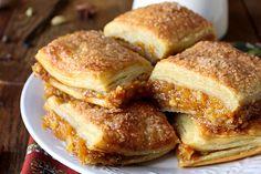 Γλυκιά πίτα με κολοκύθα Greek Pita, Sauces, Pie Cake, Greek Recipes, Pain, Nom Nom, Pancakes, French Toast, Sweet Treats