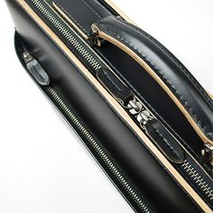 cuoworks: [Aoki bag] seasoned simplicity (Ainu village): Cowhide glass processing leather business bag bag men black * made in briefcase COMPLEX GARDENS Kotan * Japan Leather Bags, Leather Handle, Craft Bags, Global Market, A4 Size, Ox, Briefcase, Bag Making, Zip Around Wallet