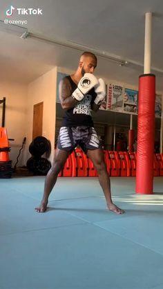 Boxing Training Workout, Mma Workout, Muay Thai Training, Kickboxing Workout, Weight Training Workouts, Boxing Techniques, Martial Arts Techniques, Self Defense Moves, Self Defense Martial Arts