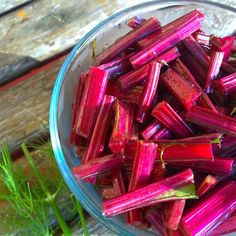 How to Eat the Beet from Root to Leaf — Just Beet It Beet Stem Recipe, Beet Leaf Recipes, Freezing Beets, Beets Nutrition, Quick Healthy Meals, Healthy Eats, Pickled Beets, Fermented Foods, Food Waste
