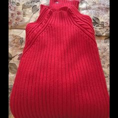 Tommy Hilfiger red sweater Very, very nice red Hilfiger sweater. Great condition Tommy Hilfiger Sweaters