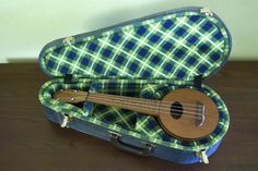Why make your own ukulele case? Well, because:      inexpensive ukuleles usuallycome with flimsy cloth cases that offer barely any protection     sec...