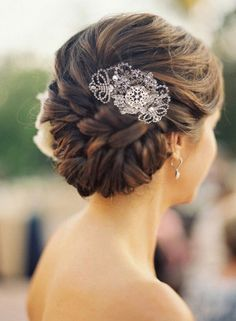 Marquis Hair comb by Jules Bridal Jewellery http://www.julesbridaljewellery.com/collections/wedding-hair-combs/products/filigree-art-deco-style-wedding-comb-marquis  Hairstyle pinned by http://www.brides-book.com/