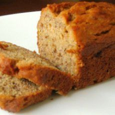 Low Calorie Banana Bread - only 44 cal per slice!! Going to make this tomorrow if we have a snow day!