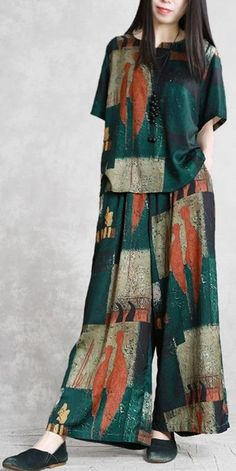 Loose Summer Two Piece Green Blouse With Wide-leg Pants For Women green loose pants piece summer Wideleg women 623889354615942051 Fashion Wear, Modest Fashion, Fashion Dresses, Womens Fashion, Hipster Outfits, Stylish Outfits, Korean Fashion Online, Pantalon Large, Pants For Women