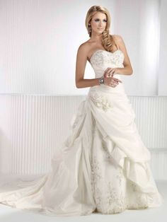 Dress for Fall Wedding Elegant Fashionable Sweetheart Natural Waist Taffeta Wedding Dress Cute Wedding Dress, Fall Wedding Dresses, Colored Wedding Dresses, Perfect Wedding, Wedding Gowns, Dream Wedding, Wedding Day, Wedding Stuff, Wedding White