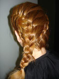 ΚΟΤΣΙΔΕΣ Side Braid Ponytail, Side Ponytails, Rock Your Locks, Braided Pony, Ponies, Pink Blue, Your Hair, Braids, Curly