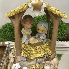 SnapWidget   Fofíssima esta Sagrada Família !!! Para as crianças entenderem desde cedo o verdadeiro sentido do Natal !  www.viderahome.com.br #viderahome #homedecor #natal #onlinedecor #home #holyfamily #christmas #decor #jesus #decoronline #kids