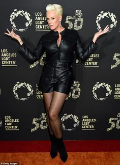 Kathy Griffin cuts a classic look in white at LA LGBT Center event Black And White Wig, All Black Looks, Brigitte Nielsen, Lgbt Center, Kathy Griffin, Red Sonja, Jane Fonda, Celebs, Celebrities