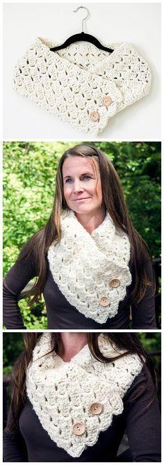 Free Cross Hatch Button-Up Cowl Crochet Pattern. #crochet #ilovecrochet #crochetscarf #crochetpattern #freecrochetpattern