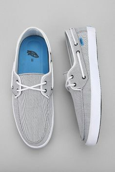 I think boat shoes are my favorite style of shoes Vans Boat Shoes, Sock Shoes, Shoe Boots, Espadrilles, Boat Accessories, Summer Shoes, Summer Wear, Nike Air Force Ones, Blue Shoes