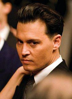 Johnny Depp as John Dillinger on Public Enemies Johnny Depp Images, Johnny Depp Fans, Young Johnny Depp, Johnny Depp Movies, Here's Johnny, Johnny Depp Public Enemies, Johnny Depp Hairstyle, Haircut Images, Johny Depp
