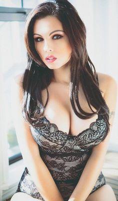 Mature saggy tits swinging
