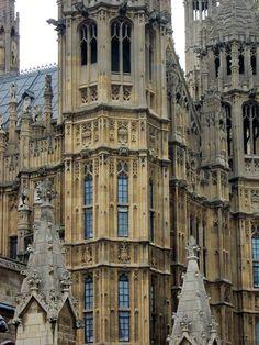 ARCHITECTURE. HOUSE OF PARLIAMENTS Houses Of Parliament, Louvre, London, Architecture, Building, Travel, Arquitetura, Viajes, Buildings