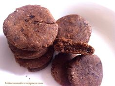 Cookies fondants à la caroube et à la farine de pois chiches {vegan et sans gluten}   Mellow carob and chickpea flour cookies {#vegan and #glutenfree}  Http://hibiscorosado.wordpress.com