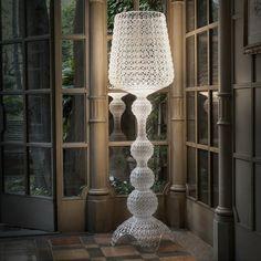 Kabuki Floor lamp by Ferruccio Laviani- LED - H 165 cm - Dimmer - Kartell Kartell, Led Floor Lamp, Modern Floor Lamps, Deco Baroque, Niche Design, Contract Furniture, Room Lamp, Showcase Design, Shop Lighting