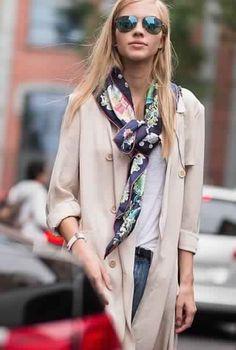 Шейный платок как украшение и дополнение к образу.