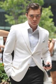 Ed Westwick Style, Fashion & Looks Chuck Gossip Girl, Moda Gossip Girl, Estilo Gossip Girl, Gossip Girls, Estilo Chuck Bass, Chuck Bass Style, Gossip Girl Outfits, Gossip Girl Fashion, Leighton Meester