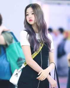 My lovely idol Guys And Girls, Kpop Girls, Cute Girls, Ulzzang Korean Girl, Cute Korean Girl, Yu Jin, Uzzlang Girl, Japanese Girl Group, Beautiful Asian Girls