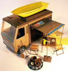 Camper di: Andrea, Terry Tanti 1970s Toys, Retro Toys, Vintage Toys, Childhood Toys, Childhood Memories, Old School Toys, Modern Toys, Nintendo, Guys And Dolls