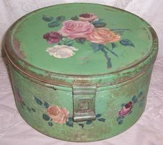 Green ANTIQUE Metal Hand Painted Pink ROSES Tole Cake Tin Saver/Box