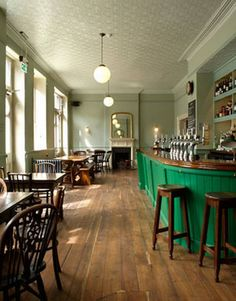 ~ The Drapers Arms ~ Barnsbury Street ~ London ~ hearty but elegant dishes include cullen skink, haggis fritters, and quail with red cabbage and prunes ~