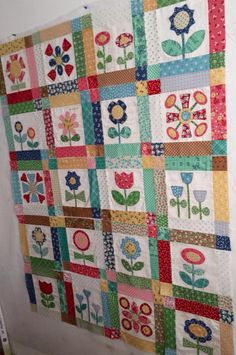BLOOM quilt using Sew Simple Shapes by Lori Holt