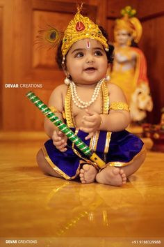 Cute Baby with her beautiful smile looks like LittleKrishna Cute Baby Boy Photos, Twin Baby Photos, Fall Baby Pictures, Cute Baby Videos, Cute Baby Wallpaper, Baby Boy 1st Birthday, Baby Images, Newborn Baby Photography, Photographing Kids
