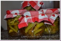 Le Ricette della Nonna: Peperoni sigaretta sott'aceto Gift Wrapping, Table Decorations, Grande, Gifts, Blog, Canning, Gift Wrapping Paper, Favors, Gift Packaging