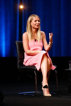 Pin for Later: Gwyneth Paltrow's About to Make You Miss Your Old Tube Dress