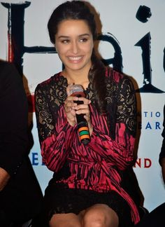 "Shraddha Kapoor and Shahid Kapoor at Trailer Launch of Movie ""Haider"" - HD Photos"