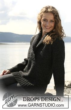"""Knitted DROPS jumper with large collar in 2 threads """"Alpaca"""". Size S - XXXL. ~ DROPS Design"""