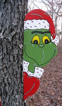 Grinch Tree Peeker Christmas Yard Art Decoration