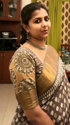 block print magic with silver jewellery. Beautiful Girl In India, Beautiful Women Over 40, Most Beautiful Indian Actress, Beautiful Ladies, Beautiful Girl Quotes, Beautiful Saree, Indian Natural Beauty, Indian Beauty Saree, Beauty Full Girl