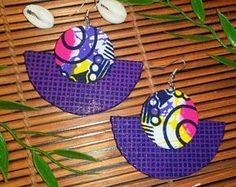 Items similar to African fabric earrings on Etsy Fabric Earrings, Paper Earrings, Diy Earrings, Leather Earrings, Earrings Handmade, Diy African Jewelry, African Accessories, African Earrings, Textile Jewelry